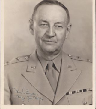 Photographic portrait, signed. Maj. Gen. William BRYDEN